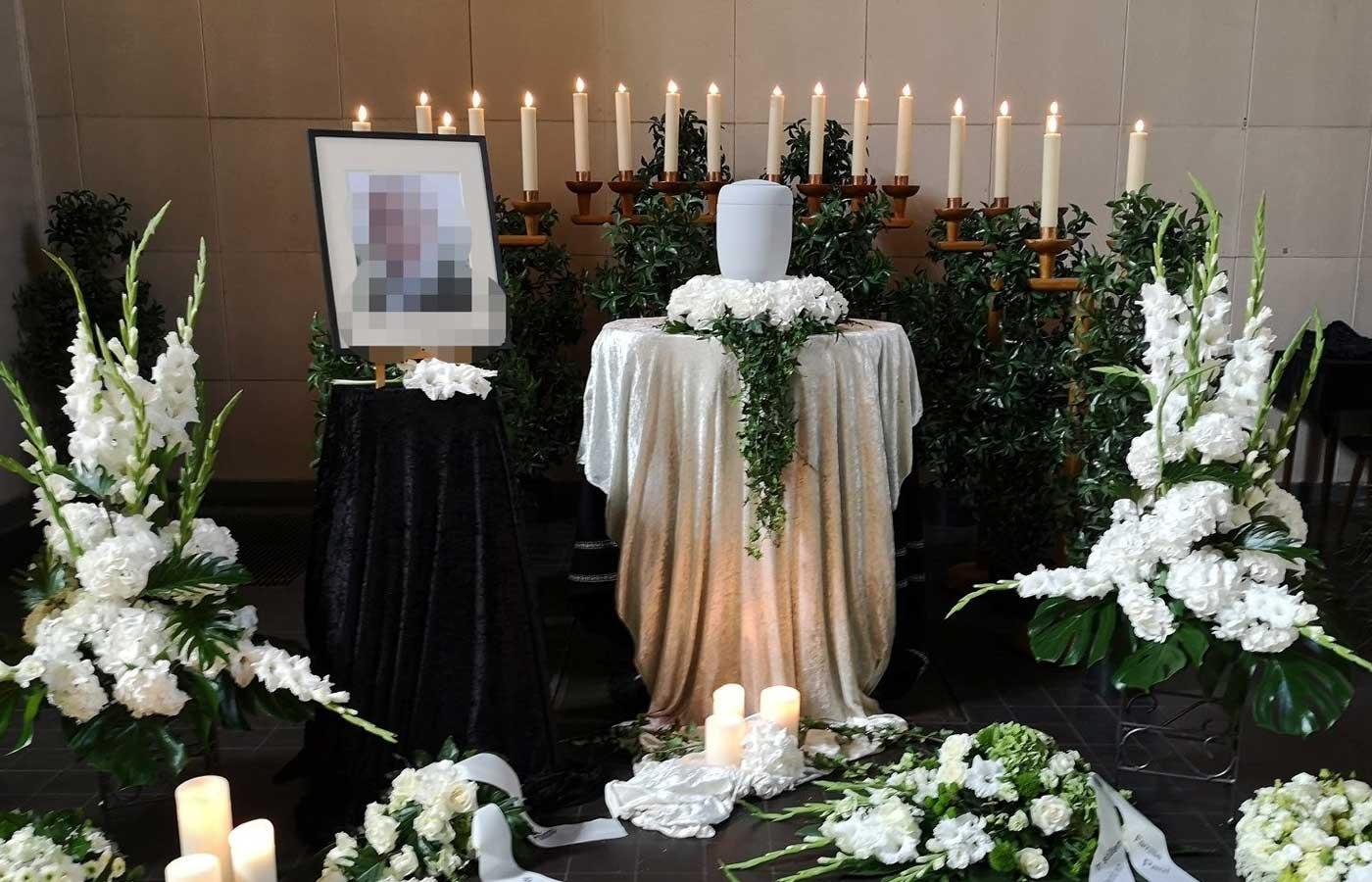 Blumen für die Zeit der Trauer 1